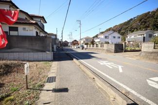 袖ヶ浦市神納 売地 袖ヶ浦駅 お子様にも安心な歩道に面しています。