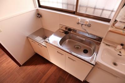【キッチン】泉が丘2丁目貸家
