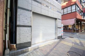 【玄関】神戸バザービル