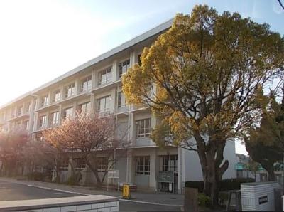 業務スーパー東長戸店 961m