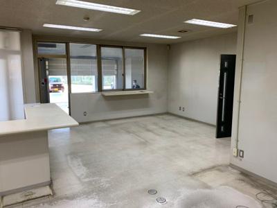 【その他】北日本新聞貸事務所