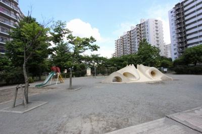お庭代わりの公園です:三郷新築ナビで検索♪