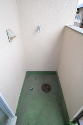 洗濯機置き場(バルコニー)