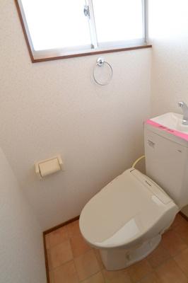 温水洗浄暖房機能便座・窓有り