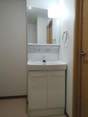 独立洗面台がついてます