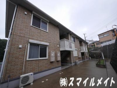 大和ハウス施工・外壁タイル調のアパートです。