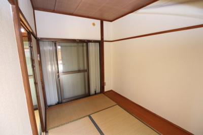 【寝室】第二秋元荘