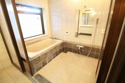 【浴室】狛江市中和泉2丁目 戸建
