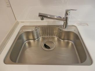 浄水器付きで、安全なお水をいつでも手軽に使うことができます
