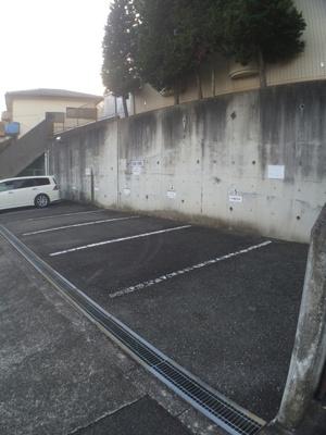 【駐車場】ホワイトウイング左入