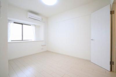 広々とした洋室です:リフォーム完了しました♪三郷新築ナビで検索♪