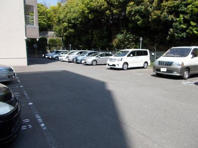 【駐車場】さんくれーる茨木B棟