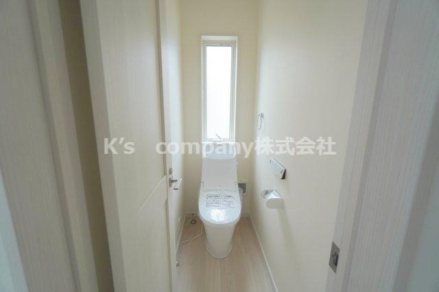 1階トイレ・温水便座付き