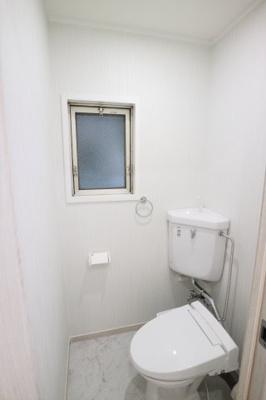 トイレ本体一式新調♪温水洗浄機能付き便座♪
