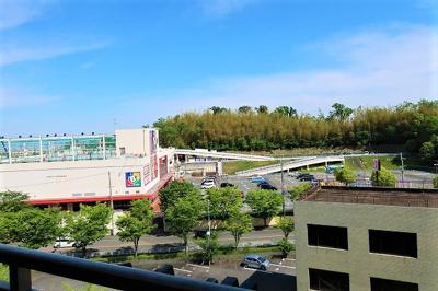 【現地写真】隣接した大きい建物がないので、遠くまで見通すことができます♪