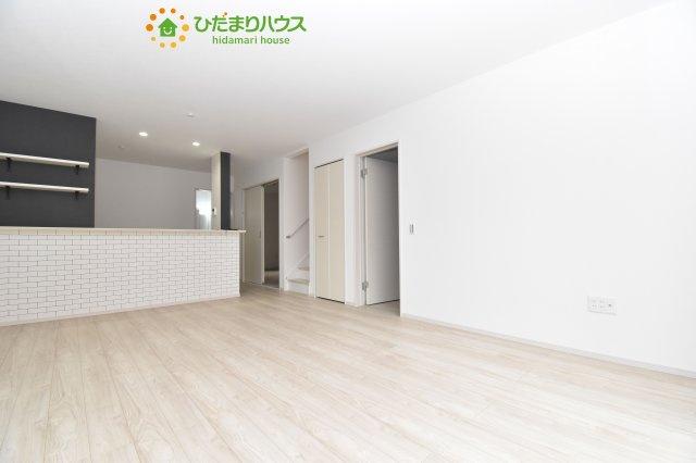 【居間・リビング】北区別所町 4期 新築一戸建て Ricca 01