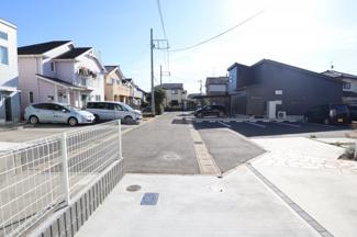 前面道路から見える綺麗な住宅街にあります。 誉田はおゆみ野方面、あすみが丘方面ともにアクセス可能でエリアです。