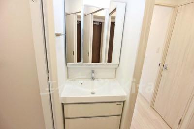 【独立洗面台】スプランディッド新大阪サウス
