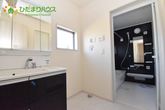 【洗面所】北本市石戸5丁目 新築一戸建て リーブルガーデン 01
