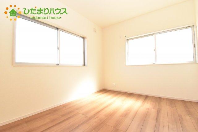 【洋室】北本市石戸5丁目 新築一戸建て リーブルガーデン 01