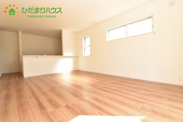 【居間・リビング】北本市石戸5丁目 新築一戸建て リーブルガーデン 01
