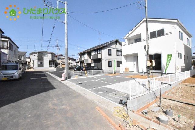 【前面道路含む現地写真】北本市石戸5丁目 新築一戸建て リーブルガーデン 01