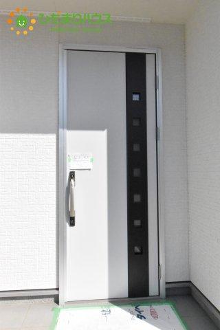 【玄関】北本市石戸5丁目 新築一戸建て リーブルガーデン 01