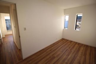 2階4.37帖洋室