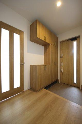 トイレには窓がついているので換気もばっちりです!