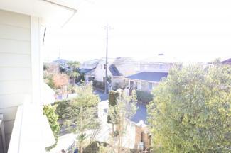 周りの住宅も雰囲気が良さそうな住宅ばかり立ち並んでいます。