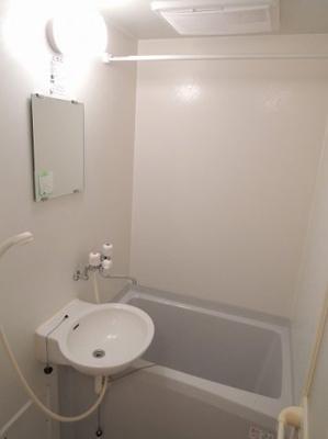 洗面一体型の浴室