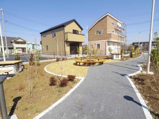 街区中央に位置する共有スペースです。