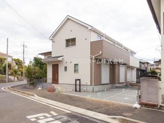 千葉市花見川区み春野 新築分譲住宅 外観施工例です。