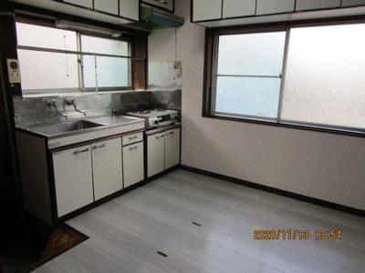 【キッチン】日の出2階建貸家