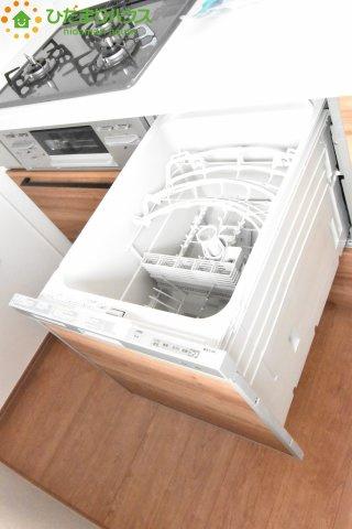 食器洗浄機がついてるので、 家事の時間が少し短縮されます!!