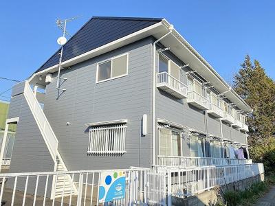 「センター南」駅・「センター北」駅より徒歩圏内で2駅2沿線利用できる2階建てアパート☆コンビニが近くて便利な住環境です♪