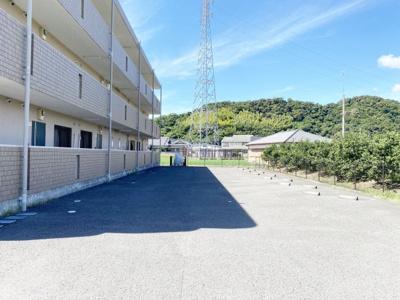 【駐車場】KOINOMOTOマンション