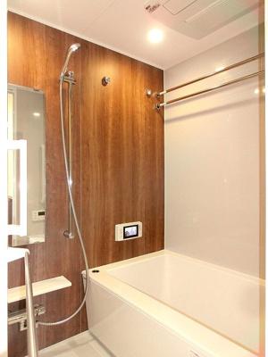 浴室TV付き、追焚オートバス、浴室換気乾燥機付き