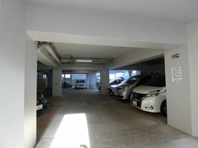 【駐車場】白金武蔵野マンション