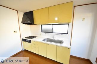 シンクが広く洗い物もしやすい使い勝手の良いキッチンです。