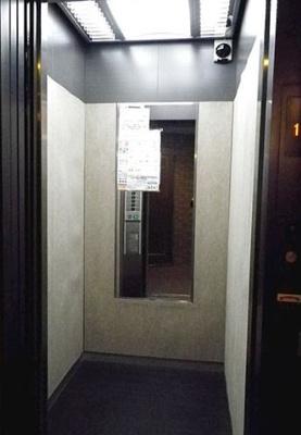 荷物の多いときに助かるエレベーター
