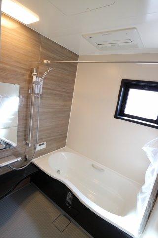 浴室暖房乾燥機付きで寒い冬も梅雨の時期も快適♪
