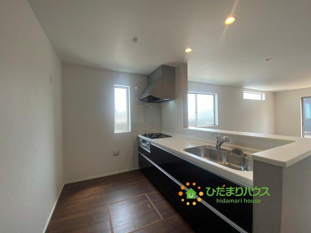 【キッチン】白岡市西2丁目 5期 新築一戸建て 01 グラファーレ