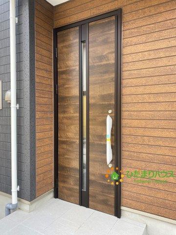 【玄関】白岡市西2丁目 5期 新築一戸建て 01 グラファーレ