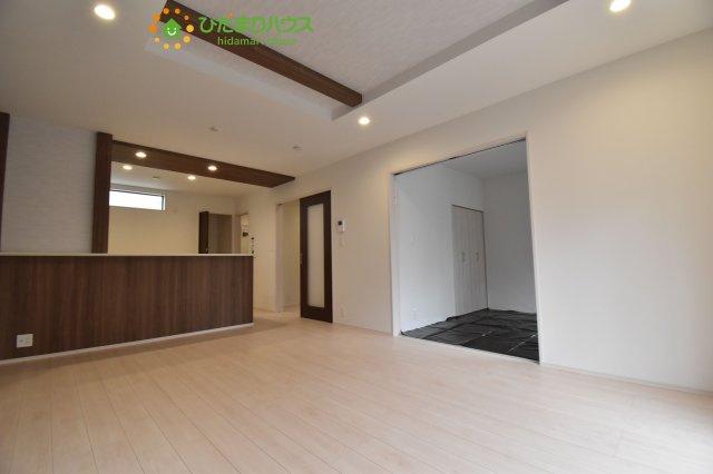 【居間・リビング】西区三橋6丁目 新築一戸建て グランドールの丘 02