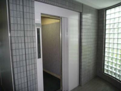 エレベーター付です