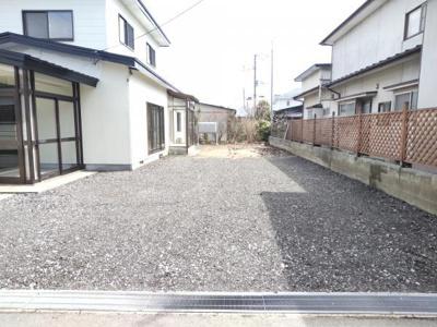 【駐車場】能代市字長崎・中古住宅 リフォーム済