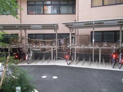 フェルクルールプレスト池袋WESTの駐輪スペース
