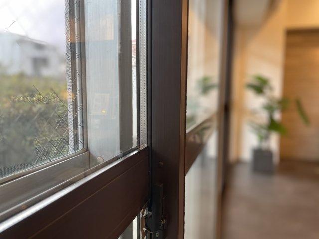 遮音性、遮熱性を高める内窓を取付ました、騒音対策、エアコンの省エネにつながります