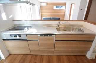 千葉市稲毛区園生町 新築一戸建て 穴川駅 食洗器付きキッチンです